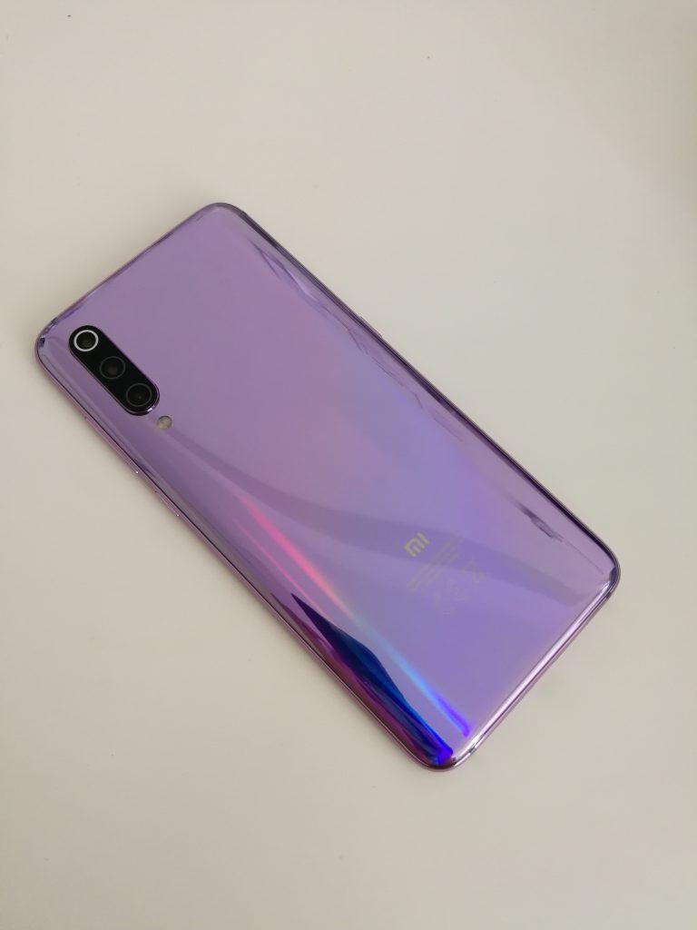 Xiaomi Mi 9 Review: The Best In Its Range 14