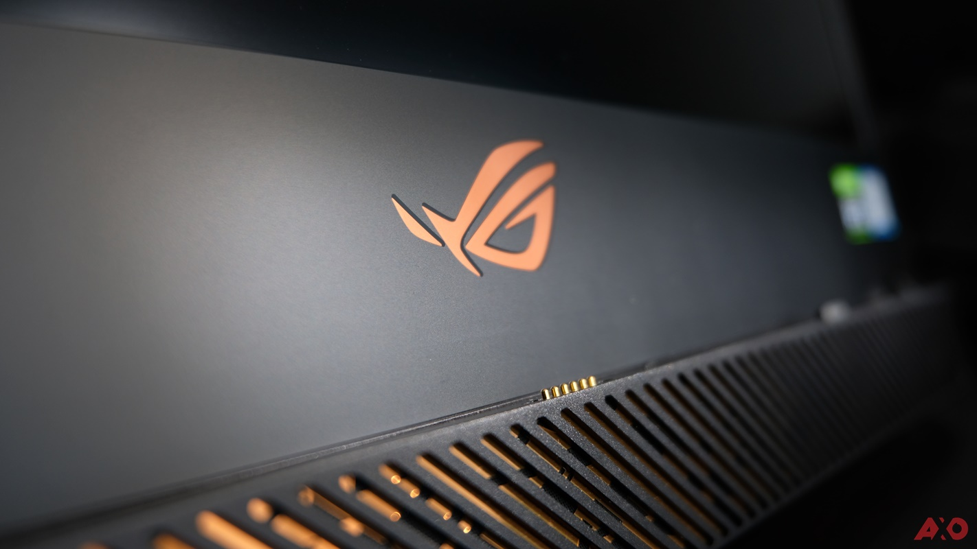 What's in the Box? ASUS ROG Mothership 3
