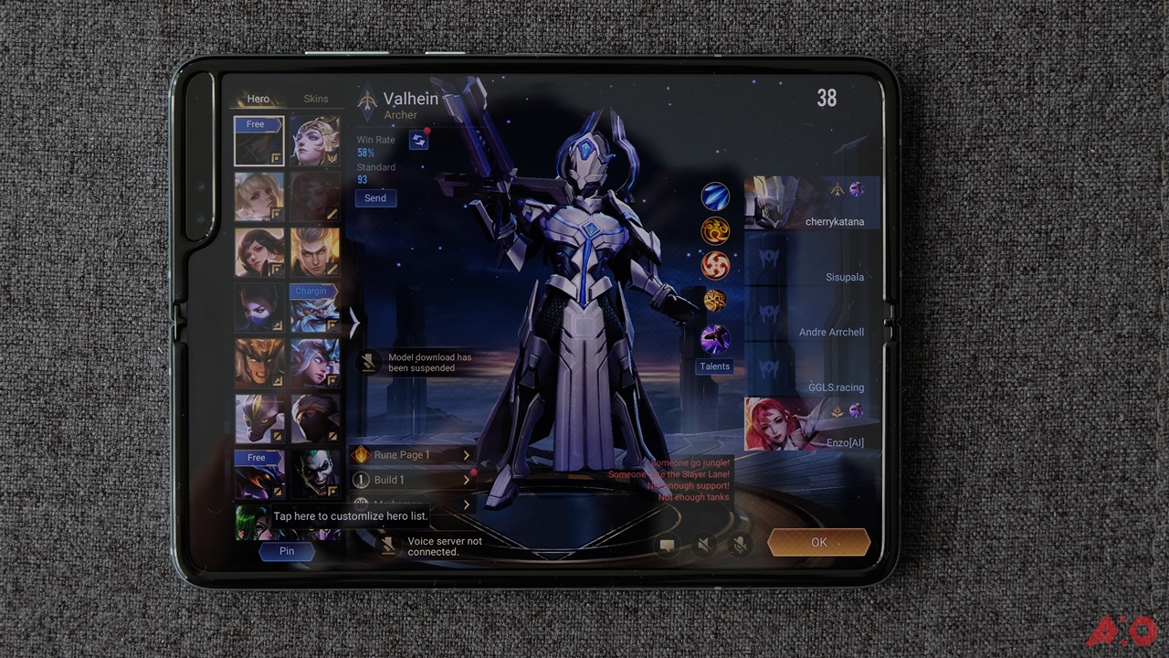 First Impressions: Samsung Galaxy Fold 27