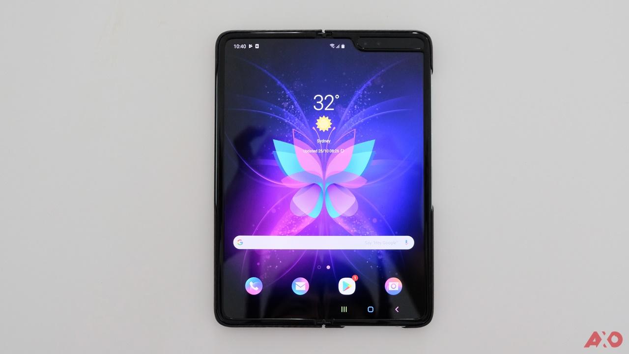 First Impressions: Samsung Galaxy Fold 16