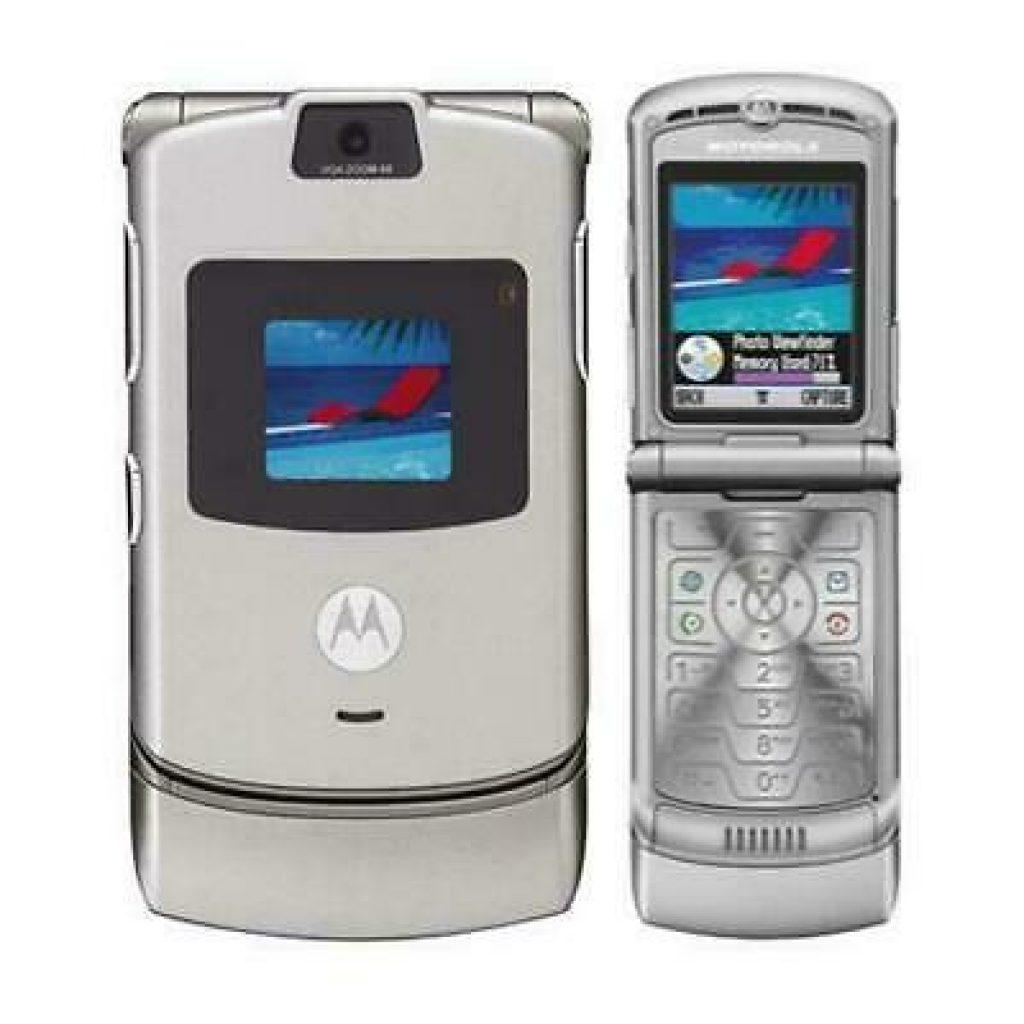 The Motorola Razr Makes a Comeback in 2019 8