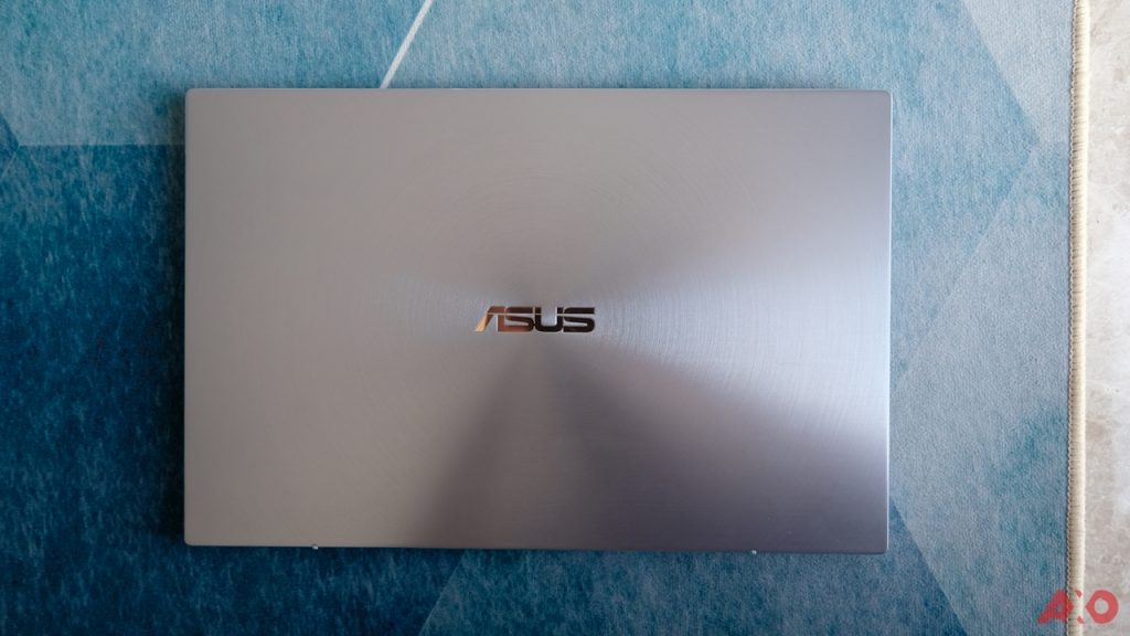 ASUS ZenBook 14 UM431 Review: Lightweight Champion 29