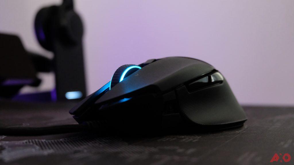 Razer Basilisk V2 Review: Edgy Design, But Lacks Comfort 17