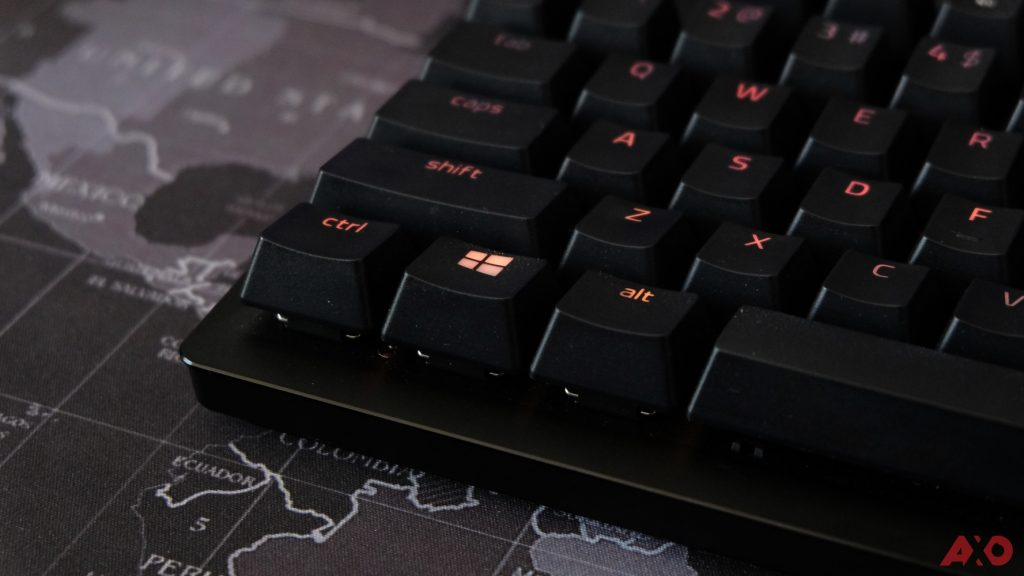 Razer Huntsman TE Review: Of Light and Loudness 26