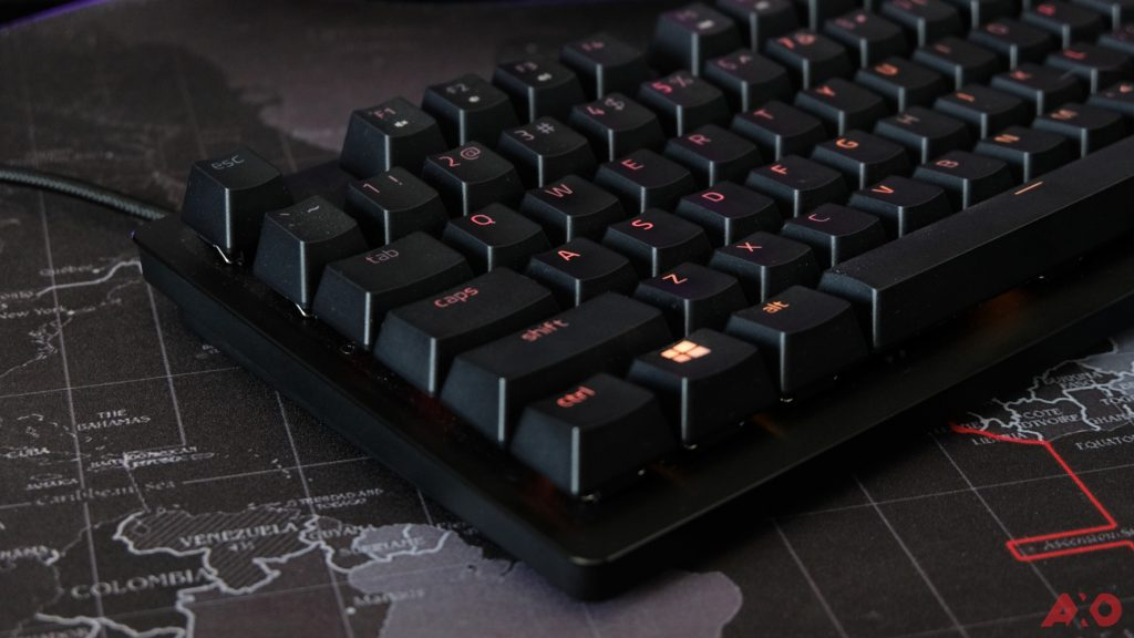 Razer Huntsman TE Review: Of Light and Loudness 13