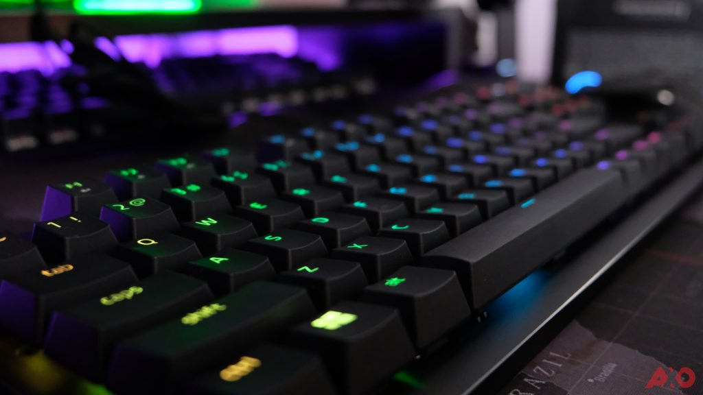 Razer Huntsman TE Review: Of Light and Loudness 43