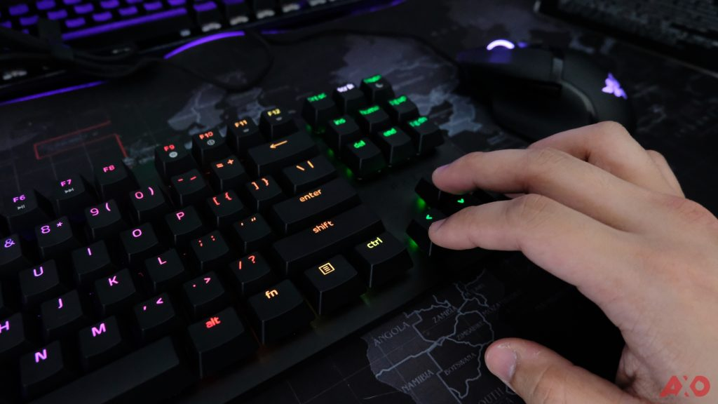 Razer Huntsman TE Review: Of Light and Loudness 46