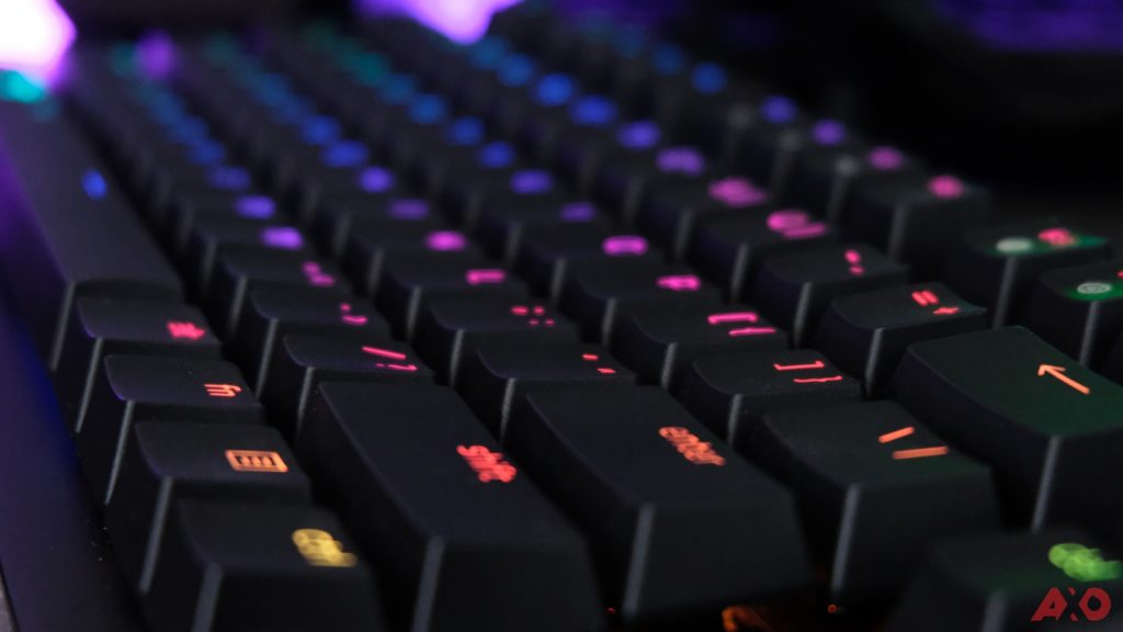 Razer Huntsman TE Review: Of Light and Loudness 23