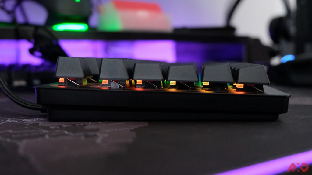 Razer Huntsman TE Review: Of Light and Loudness 50