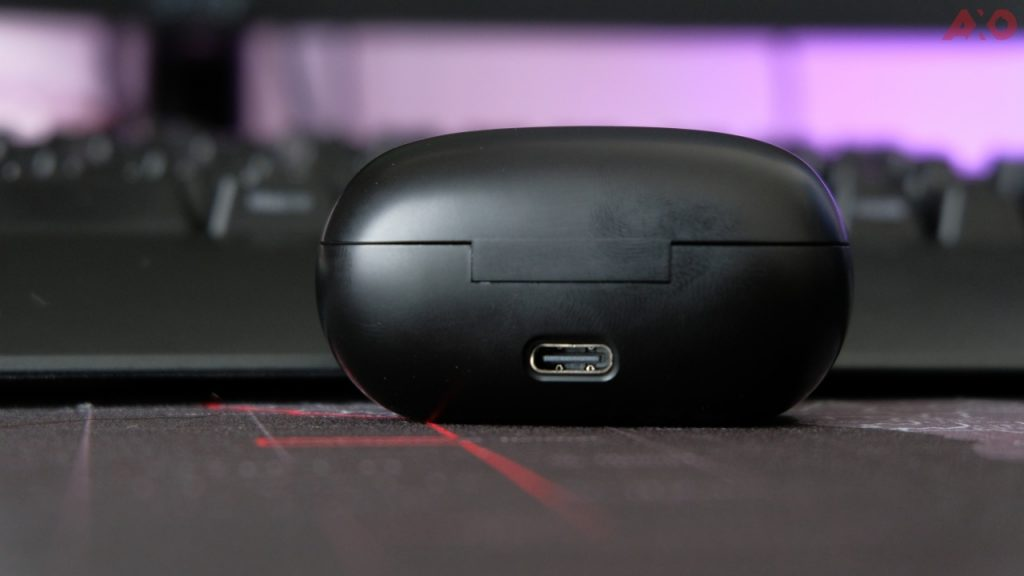 UGREEN HiTune TWS earbuds charging port USB Type-C