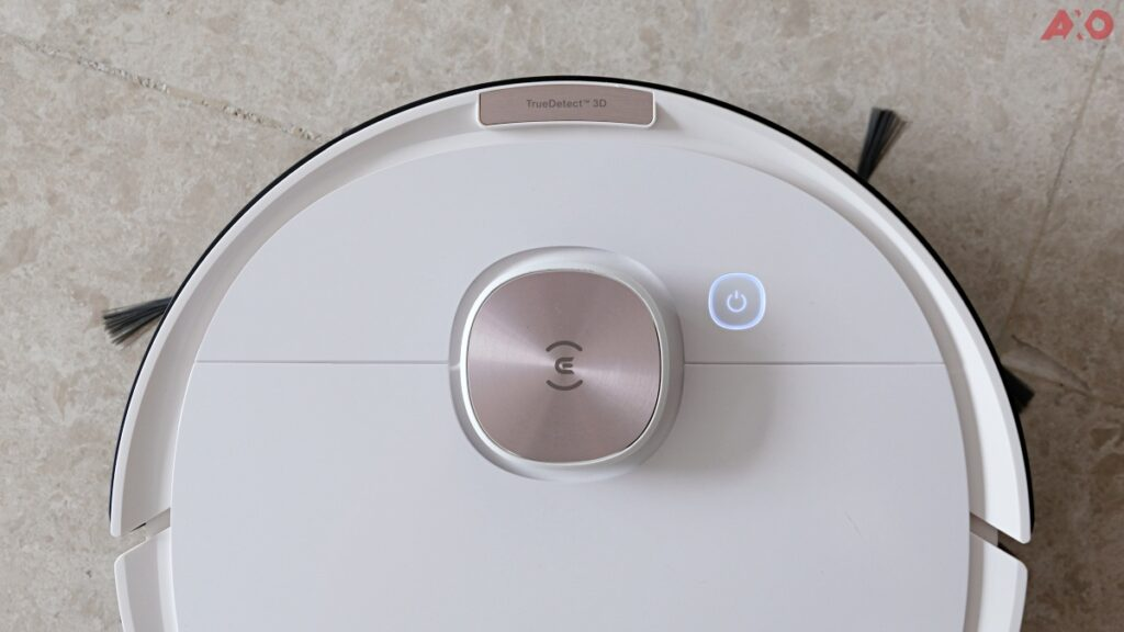 DEEBOT OZMO T8 Smart Robot Vacuum Review: Senses Everything, Sucks Everything 16