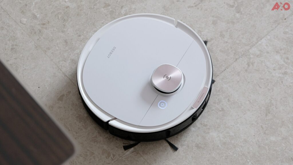 DEEBOT OZMO T8 Smart Robot Vacuum Review: Senses Everything, Sucks Everything 23