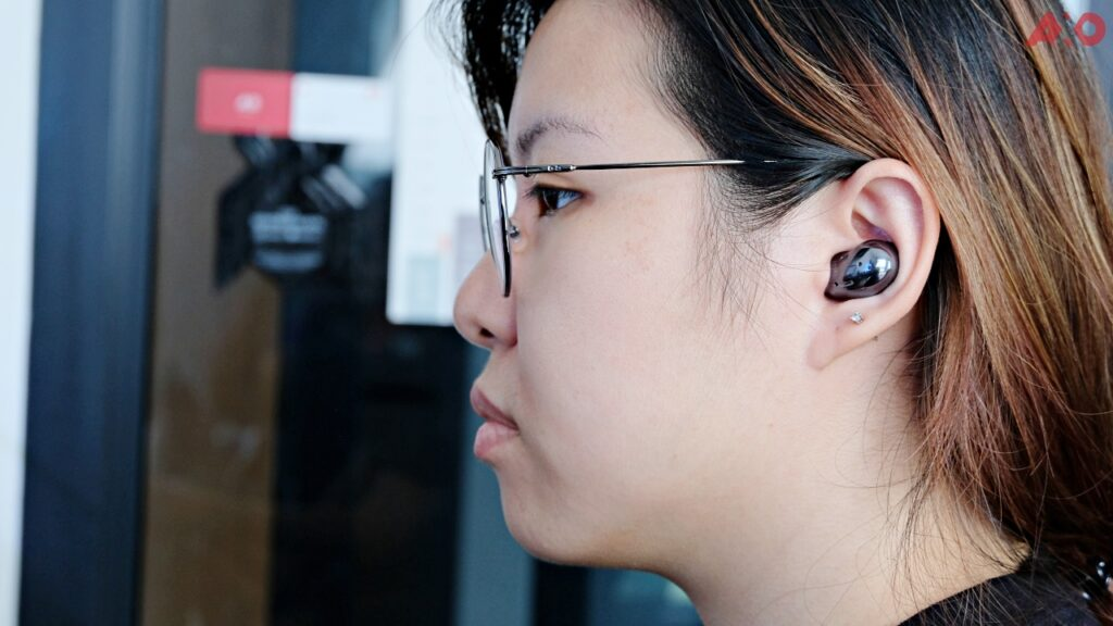Samsung Galaxy Buds Live TWS Earbuds Review: Good Sounding Magic Beans 21