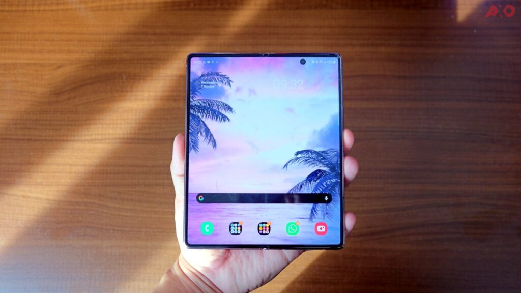 Samsung Galaxy Z Fold2 Review