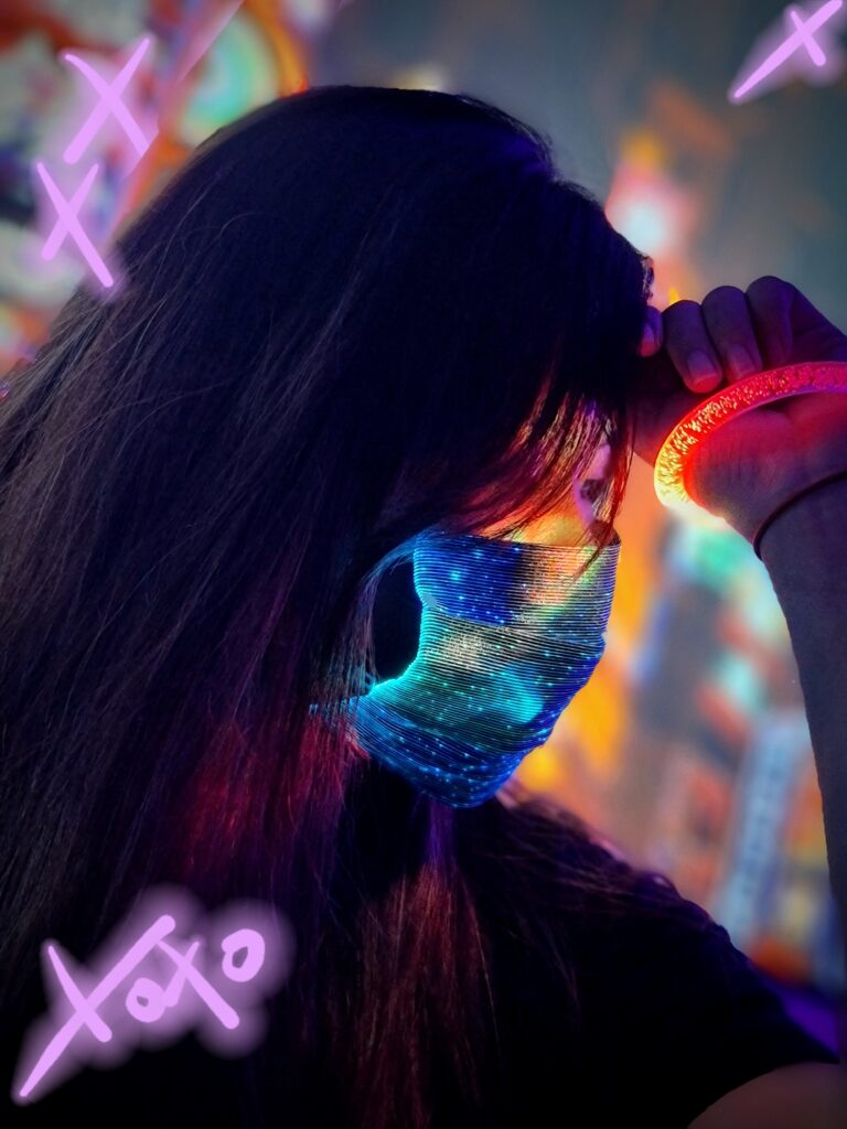 Simple Guide To Create Instagrammable Neon Shots Using Only The Samsung Galaxy Note20 Ultra 5G 18