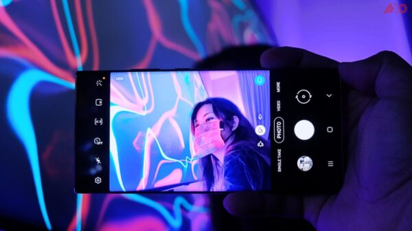 Simple Guide To Create Instagrammable Neon Shots Using Only The Samsung Galaxy Note20 Ultra 5G 15