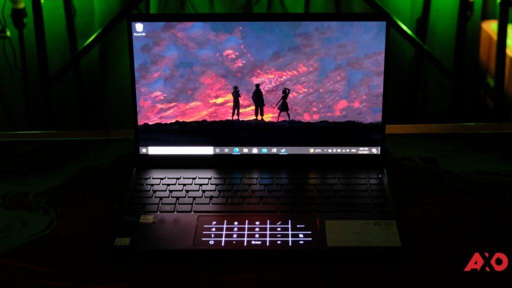 Asus ZenBook 13 OLED UX325 OLED in Dark